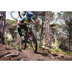 Nih #sepedacadas dari @magda.szczekutek     in frame: dartmoor   Tag 3 kerabat/temen #gowesbareng kamu yang suka atau pengen sepeda ini   punya #sepedacadas juga? tag @sepedacadas dan gunakan hashtag #sepedacadas buat kami repost   #sepeda #sepedagunung #sepedaindonesia #sepedacadas #gowes #mtb #gowesbareng #gowesbareng #pengensepeda #pengentraveling  #mtbindonesia Freeride Mountain Bike, Mountain Biking, Cycling Bikes, My Happy Place, Mtb, Bicycle, Instagram Posts, Bike, Bicycle Kick