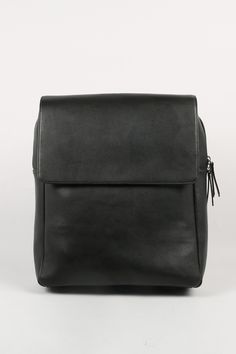 Leather Rectangle Backpack Black http://www.thewhitepepper.com/collections/bags/products/leather-rectangle-backpack-black