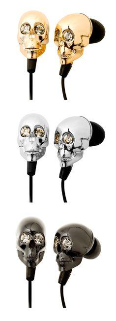 Agora espia só esse modelo, de fones de ouvido, de caveirinha com olhos de Swarovski desenvolvido pela Karina Sterenberg, da Ka…