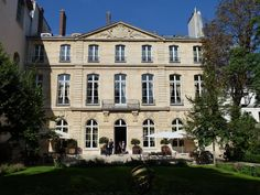 Hôtel d'Avaray - 85 Rue de Grenelle, Paris 7e Home of the Netherlands Ambassador to France
