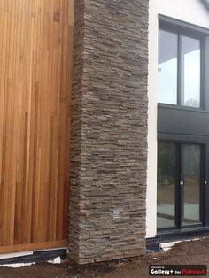 Wood and stone cladding is such a good match and timber Stone Cladding Exterior, Brick Cladding, House Cladding, Brick Facade, Cladding Ideas, D House, House Front, External Wall Cladding, Timber Feature Wall