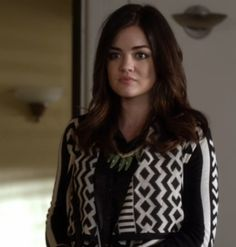 """Aria's Staring At Stars Array Cardigan Pretty Little Liars Season 3, Episode 21: """"Out Of Sight, Out Of Mind"""""""