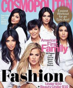 "cosmokardashiancover-""America's First Family"" with the Kardashians posing on the cover? The magazine pictures Kris Jenner, Kim Kardashian, Khloe Kardashian, Kourtney Kardashian, Kendall Jenner and Kylie Jenner all dressed in white. Kourtney Kardashian, Familia Kardashian, Estilo Kardashian, Kardashian Family, Kardashian Jenner, Kardashian Girls, Kardashian Fashion, Kardashian Photos, Kardashian Kollection"