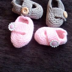 Keelan - Chunky Strap Baby Shoes Knitting pattern by Julie Taylor Baby Booties Knitting Pattern, Arm Knitting, Double Knitting, Baby Knitting Patterns, Crochet Patterns, Julie Taylor, Universal Yarn, Crochet Fall, Baby Scarf