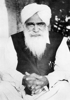 Sant Kirpal Singh Ji - Indian saint and mystic Old Love Quotes, Love Quotes In Hindi, Radha Soami, Indian Saints, Spiritual People, Elderly Man, Ideal Man, Race Cars, Che Guevara