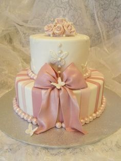 Elegant cakes for woman's birthday