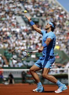 Rafael Nadal vence Andrey Kuznetsov em Roland Garros (Foto: Reuters)