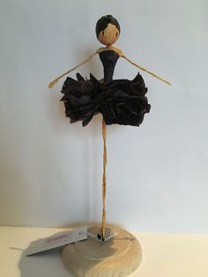 - Her Crochet Paper Mache Clay, Paper Mache Sculpture, Paper Mache Crafts, Wire Crafts, Paper Clay, Doll Crafts, Fun Crafts, Paper Art, Diy And Crafts