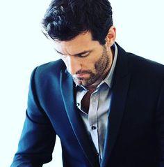 Mark Webber ❤️✨ Mark Webber, F1 Drivers, Handsome Man, Formula One, Le Mans, Suit Jacket, Blazer, Guys, My Love
