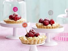 Wittechocoladetaartjes met frambozen (Libelle Lekker!)