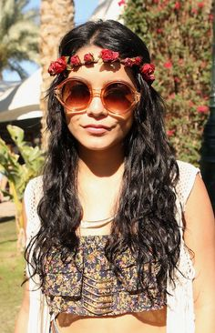 Pro tip for your next music festival: it's all about braids, flowers and easy-going hair.
