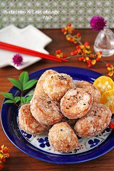 こんにちは。今日は食材1つ!素材の味がおいしい簡単おつまみレシピです~♪外サクッ中とろ~り里芋の竜田揚げです!!里芋の下ごしらえはレンジで簡単!ポリ袋でめんつゆと漬け込んで・・片栗粉をまぶして竜田揚げにしました~!!鶏肉の竜田揚げはジューシーでおいしいで Food N, Food And Drink, Rocky Road, Veggie Dishes, Japanese Food, Muffin, Veggies, Cooking Recipes, Meals