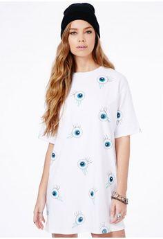 Missguided - Peppi T-Shirt Dress With Eyeball Print