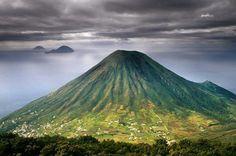 Mount Porri (Monte dei Porri), Sicily, Italy..  Visit us on Facebook:  https://www.facebook.com/groups/imagesfromallovertheworld