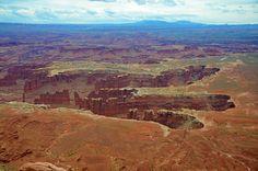 Huge! #Canyonlands #IslandInTheSky #Utah #visitUtah #exploreUtah #HitTheRoad #RoadTrip #Travel #TravelBlogger #TravelUSA #RoadTrippin #neverstopexploring #passionpassport #goexplore #tasteintravel #AirFranceMagazine #natgeofrance #natgeotravelerFrance #decourirensemble #francaisauxusa #voyage #optoutside #roamtheplanet #thegreatoutdoors #guardiantravelsnaps #FindYourPark #nationalparkgeek #freshairclub #cntraveler | Photo de @laurafwc