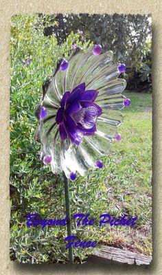 Mail - Debra Terry - Outlook Flower Plates, Glass Plate Flowers, Glass Garden Flowers, Glass Garden Art, Glass Art, Recycled Glass, Recycled Materials, Garden Whimsy, Garden Deco