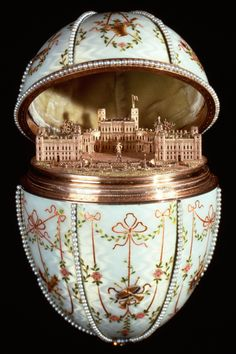 1901 - The Gatchina Palace Egg. Presented to Empress Maria Feodorovna. Surprise: The egg opens to reveal a miniature gold replica of the palace at Gatchina. Maria Feodorovna, Tsar Nicolas Ii, Tsar Nicholas, Fabrege Eggs, Imperial Russia, Egg Art, Corpus Christi, Russian Art, Russian Culture
