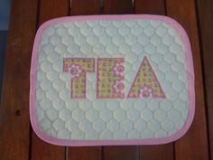 Applique tea mat / mug rug