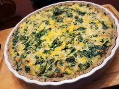 Quiche Low Carb Fácil - Receita Natureba Low Carb Quiche, Keto Quiche, Tortas Low Carb, No Carb Diets, Low Carb Keto, Healthy Snacks, Snack Recipes, Paleo, Food And Drink