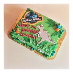 Jurassic World Cake by 2tarts Bakery / www.2tarts.com