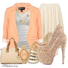 This a outfit elegante.
