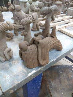 Керамика Волгоград Волжский Pottery Animals, Ceramic Animals, Clay Animals, Slab Pottery, Ceramic Pottery, Pottery Art, Pottery Sculpture, Sculpture Clay, Ceramics Projects
