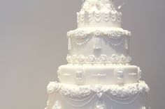 victorian wedding cake - design reference for the trim Victorian Wedding Cakes, White Wedding Cakes, Beautiful Wedding Cakes, Beautiful Cakes, Amazing Cakes, Wedding Blog, Dream Wedding, Wedding Day, Brides Cake