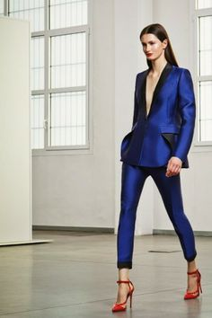 The perfect blue suit. Loveee