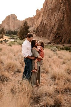 Smith Rock Sunset Maternity Session, Sunset Maternity Session, Smith Rock Maternity Session, Smith Rock Family Photos, Smith Rock Maternity Photos, Oregon Maternity Photos, Oregon Family Photos, Oregon Maternity Photographer, Maternity Photo Outfits, Family Photo Outfits, Maternity Photo Inspiration, Family Photo Inspiration Sunset Maternity Photos, Maternity Photo Outfits, Family Photo Outfits, Maternity Session, Family Photos, Couple Photos, Rock Family, Our Friendship, Second Baby
