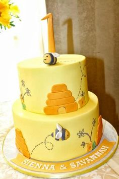 Home Interior Living Room bee themed cake for a first birthday party.Home Interior Living Room bee themed cake for a first birthday party Bee Birthday Cake, Twin First Birthday, 1st Birthday Parties, Bee Cakes, Cupcake Cakes, Bumble Bee Cake, Twins 1st Birthdays, Cake Name, Bee Party