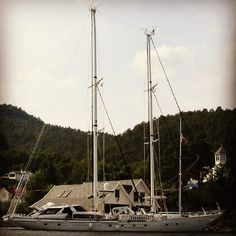 Sundays are active rest days. Working on getting our starship Andromeda ready for the season and getting some wind back in her sails for 2016. #norway #charters #starship #andromeda #superyacht #superyachts #yacht #sailboat #sailing #boat #charter #fjord #kristiansand #bergen #stavanger by beardsboozebarbells