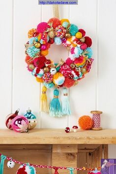 All the poms! Make a pom pom wreath in the latest Christmas issue of Mollie Makes. Comes with BONUS 2017 calendar & organiser stickers. Please choose cruelty free, go vegan! Mollie Makes, Bohemian Christmas, Noel Christmas, Christmas Wreaths, Christmas Pom Pom Crafts, Beautiful Christmas, Crochet Christmas Wreath, Christmas Music, Fall Yarn Wreaths