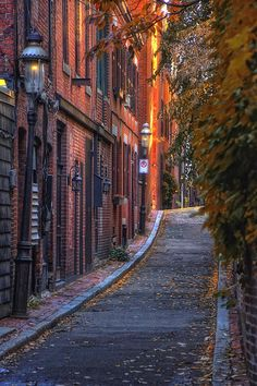 Beacon Hill, Boston. So beautiful. Wouldn't mind living there.