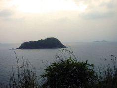 Captin Kidds Bay - Kawar, Karnataka India. Kidd took refuge between these islands during his raids down the Indian Malabar coast