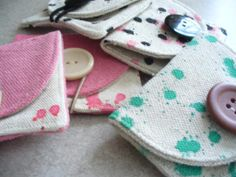 coin purses by sneezerville | Sewing Ideas perfect project for scrap material!