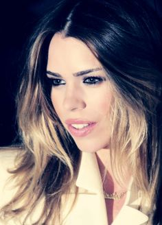 Okay, this is really me captioning this. Billie Piper is one of the most gorgeous actresses I've ever seen. With or without makeup. Hands down gorgeous. -Jasmine