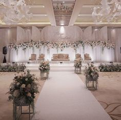 [New] The 10 Best Home Decor (with Pictures) - For a wedding backdrop, you can choose a unique and asymmetrical design and then be beautified with a range of . Wedding Stage Decorations, Wedding Backdrop Design, Wedding Stage Design, Wedding Reception Backdrop, Backdrop Decorations, Wedding Centerpieces, Wedding Designs, Wedding Receptions, Wedding Mandap