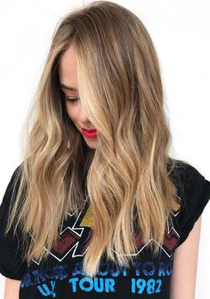 31 Gorgeous Face Framing Long Ombre Hairstyles in 2018. Do you want to wear long hair but dont know how to make them look more attractive than ever? Visit here and see our best suggestions of hair colors for long hair looks. We have posted some of the top trends of ombre hair colors for long hair to show off in year 2018. These face framing long ombre looks are best styles.