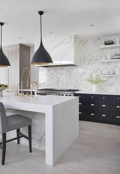 Supreme Kitchen Remodeling Choosing Your New Kitchen Countertops Ideas. Mind Blowing Kitchen Remodeling Choosing Your New Kitchen Countertops Ideas. White Interior Design, Home Interior, Interior Design Kitchen, Home Design, Modern Interior, Interior Ideas, Design Design, Black Kitchens, Cool Kitchens