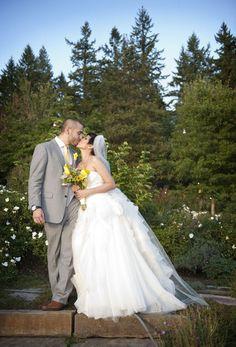 pose, bride/groom, lighting, angle