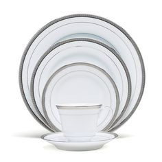 Shop our great selection of dinnerware sets for the whole family. You'll find the best brands and materials on dinnerware circular, rectangular, and square dinnerware sets. Dinnerware Sets For 12, Square Dinnerware Set, Casual Dinnerware, Gourmet Garden, China Sets, Noritake, Fine China, China Porcelain, Place Settings
