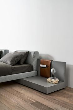 CLIFF - Designer Night stands from Meridiani ✓ all information ✓ high-resolution images ✓ CADs ✓ catalogues ✓ contact information ✓ find your. New Furniture, Furniture Design, Bed Design, House Design, Bed Backrest, Large Cushions, Headboard Designs, Master Room, Types Of Beds