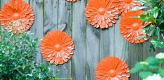 Looking for decorating ideas for the garden? Check these 20 DIY garden decor ideas that will surely increase the beauty of your garden. Hunting is more your hobby DIY garden decor idea details. Christmas Tree Toppers, Christmas Tree Decorations, Christmas Lights, Christmas Diy, Fence Decorations, Floral Decorations, Thanksgiving Decorations, Outdoor Christmas, Christmas Ornaments