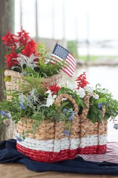Top 18 July 4th Holiday Garden Designs – Unique & Easy Patriot Backyard Decor Project - Way To Be Happy (11)