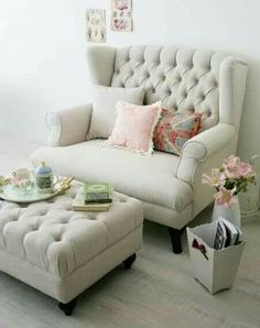 It is a necessary choice for room decoration with comfortable sofa.We offer 24 sofa ideas could meet the needs of most people. The living room Home Living Room, Living Room Furniture, Home Furniture, Living Room Decor, Bedroom Decor, Furniture Ideas, Sofa For Bedroom, Furniture Stores, Chaise Lounge Bedroom