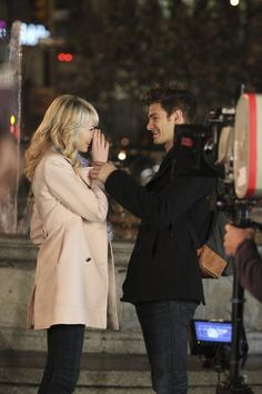 Emma Stone And Andrew Garfield On The Set Of THE AMAZING SPIDER MAN 2