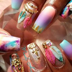A dream catcher originated from the American Indians culture. Today these accessories can be of various shapes and styles, and we can see it everywhere, starting with home decor and ending with nail art. #dreamcatcher #nailart