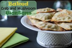 Baked Crab and Mushroom Wontons - Hand-held, kid-friendly, nutritious and delicious! (And grown-ups love them, too! Healthy Appetizers, Appetizer Dips, Appetizer Recipes, Healthy Snacks, Healthy Recipes, Sandwiches, Wontons, Easy Family Meals, Seafood Recipes