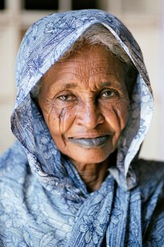 *People are not 'tourist sites' – they're people and they deserve to be treated as such. Show interest in them, their lives...be relational and respecful....wise words from the photographer of this lovely lady.