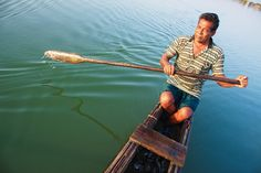 fisherman,fishing,fishing in sri lanka,batticaloa fishing,boatman,boatsman,boating asia,asia fisherman,sri lanka fishery,batticaloa lagoon,s...